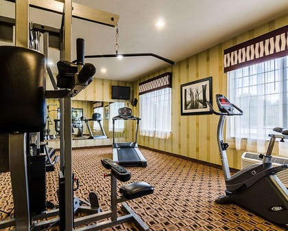 Exercise room | Comfort Inn & Suites Lawrence - University Area