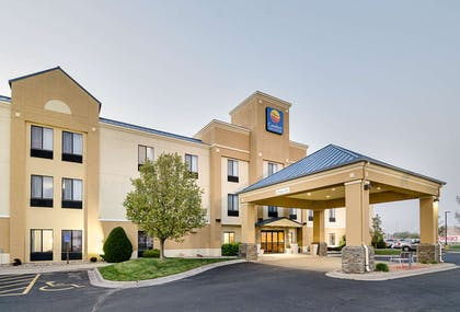 Hotel near popular attractions | Comfort Inn & Suites