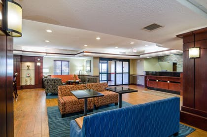 Lobby with sitting area | Comfort Inn & Suites