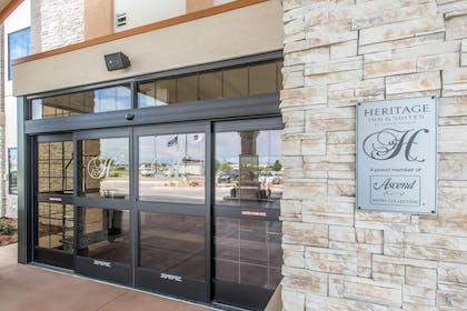 Hotel entrance | The Heritage Inn & Suites, an Ascend Hotel Collection Member