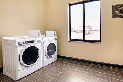 Guest laundry facilities | Comfort Inn & Suites