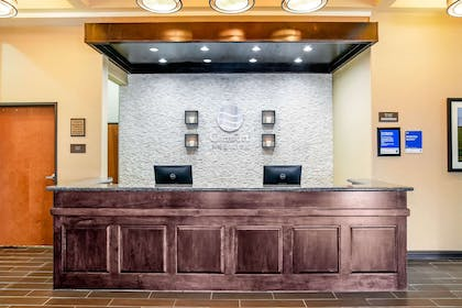 Front desk | Comfort Inn & Suites