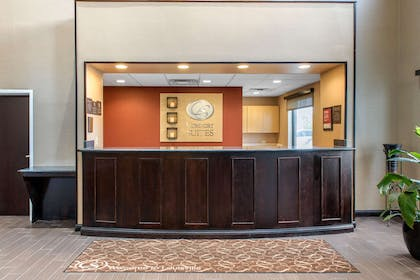 Front desk with friendly staff | Comfort Suites Airport