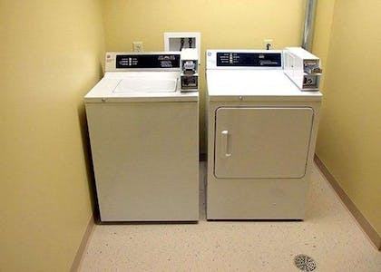 Guest laundry facilities | Comfort Inn And Suites