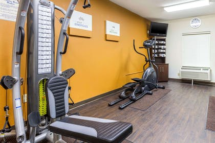 Fitness center | Quality Suites
