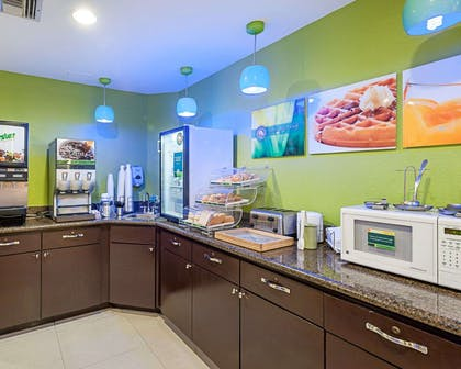 Breakfast counter | Quality Suites