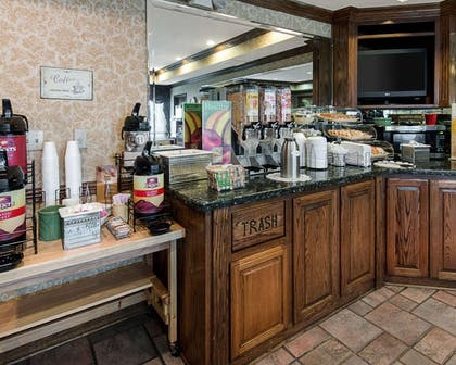 Free continental breakfast | Quality Inn And Suites