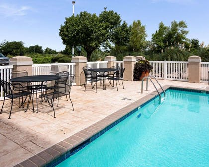Relax on the sundeck | Quality Inn And Suites