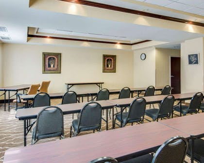 Meeting room with classroom-style setup | Comfort Suites Shreveport