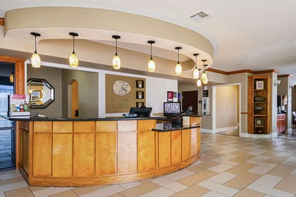 Front desk with friendly staff | Comfort Suites Lake Charles