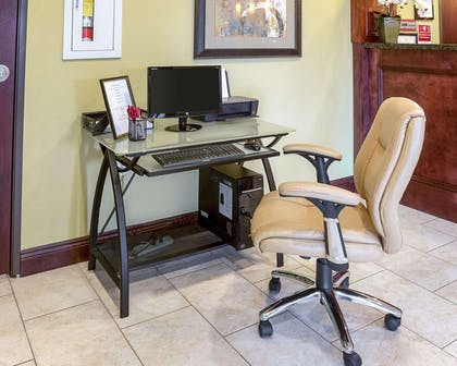 Business center with high-speed Internet access | Comfort Suites Harvey - New Orleans West