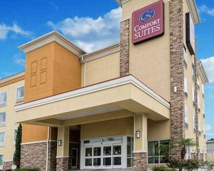 Hotel exterior | Comfort Suites Harvey - New Orleans West