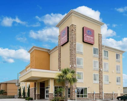 Comfort Suites Harvey - New Orleans West hotel in Harvey, LA | Comfort Suites Harvey - New Orleans West
