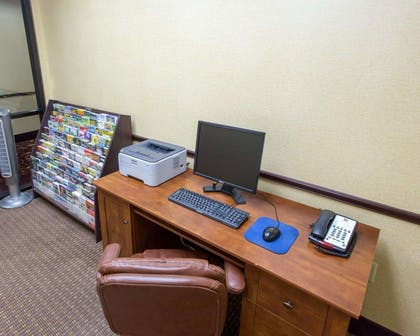 Business center with high-speed Internet access | Comfort Inn New Orleans Airport