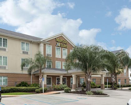 Hotel near popular attractions | MainStay Suites Houma