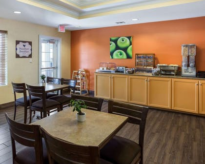 Breakfast area | MainStay Suites Houma