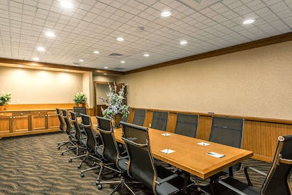 Conference Room | Quality Inn & Suites Baton Rouge West – Port Allen