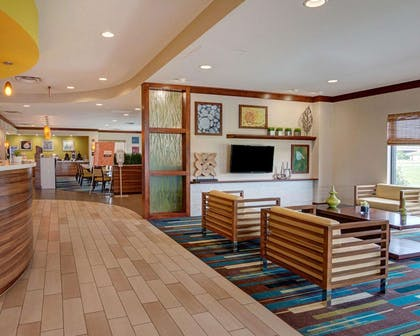 Spacious lobby with sitting area | Comfort Suites Bossier City - Shreveport
