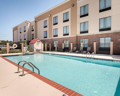 Relax on the sundeck | Comfort Suites
