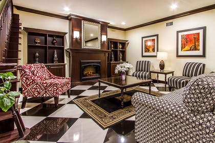 Hotel lobby | Evangeline Downs Hotel, an Ascend Hotel Collection Member