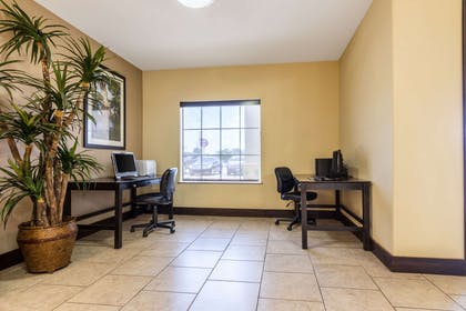 Business center with free wireless internet access | Comfort Inn And Suites