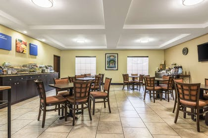 Spacious breakfast area | Comfort Inn And Suites