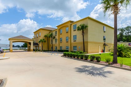 Hotel near popular attractions | Comfort Inn And Suites