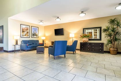 Spacious lobby | Comfort Inn And Suites