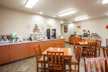 Free deluxe continental breakfast | Quality Inn & Suites Federal Way - Seattle