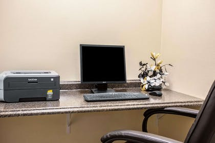 Business center with high-speed Internet access | Quality Inn & Suites Federal Way - Seattle