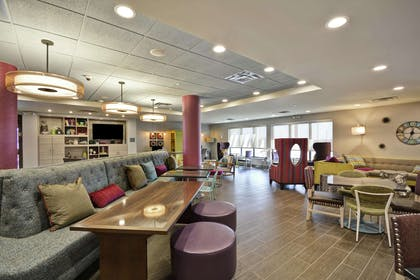 Lobby | Home2 Suites by Hilton KCI Airport