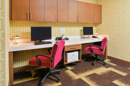 Business Center | Hampton Inn and Suites St. Paul Oakdale/Woodbury by Hilton