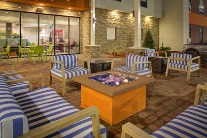 Exterior | Home2 Suites by Hilton Lake Charles