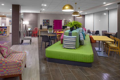 Lobby | Home2 Suites by Hilton Lake Charles