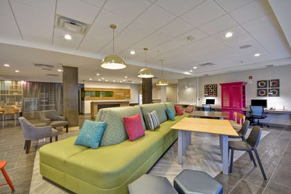 Lobby   Home2 Suites by Hilton Columbus Airport East Broad