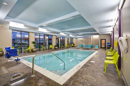 Pool   Home2 Suites by Hilton Columbus Airport East Broad