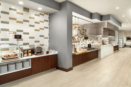 Breakfast Area | Embassy Suites by Hilton Noblesville Indianapolis Convention Center