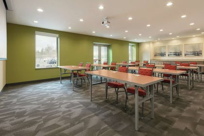 Meeting Room | Home2 Suites by Hilton Williamsville Buffalo Airport