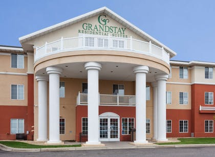 GrandStay STC Exterior Day | GrandStay Residential Suites Hotel- Saint Cloud