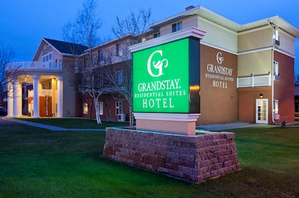 GrandStay STC Exterior Night | GrandStay Residential Suites Hotel- Saint Cloud
