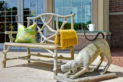 Front Entry Seating Area | GrandStay Hotel & Suites