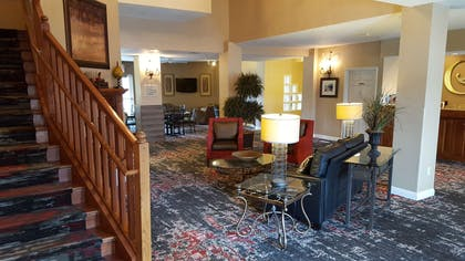 Lobby | GrandStay Residential Suites - Eau Claire