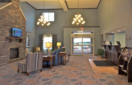 Lobby | GrandStay Hotel & Suites, Mount Horeb-Madison