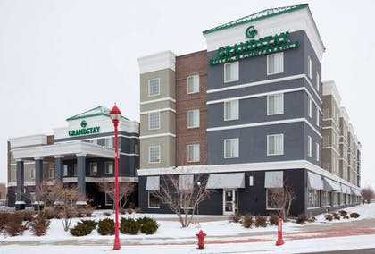 GrandStay Apple Valley Exterior | GrandStay Hotel and Conference
