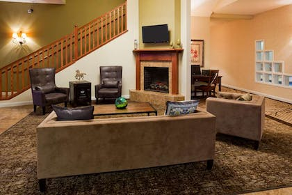 GrandStay Apple Valley Lobby | GrandStay Hotel and Conference