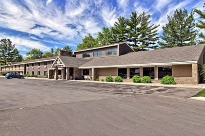 IMG HDR pt | GrandStay Hotel & Suites of Traverse City