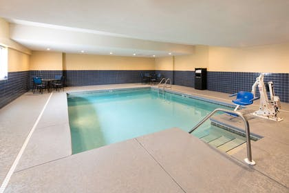 ALSARA Indoor Pool | Red Lion Inn & Suites Saraland