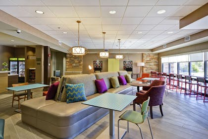Lobby | Home2 Suites by Hilton Carbondale