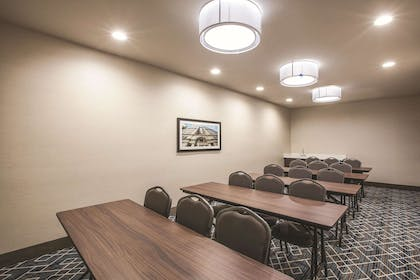 Meeting Room | La Quinta Inn & Suites by Wyndham Dallas Northeast-Arboretum