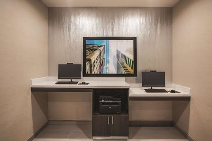 Business Center | La Quinta Inn & Suites by Wyndham Dallas Northeast-Arboretum